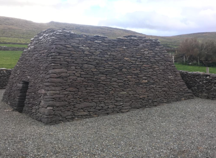 The 8th or 9th century, dry-stoned, corballed St Brendan's Oratory/Teampaillin Breanainn close-by Kilmalkedar. A quiet place of prayer. It is in the same style as nearby Gallarus Oratory but is 300 years older.